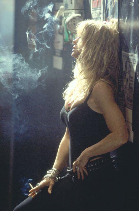 Als sie ihren Job als Barkeeperin verliert, macht sich Suzette (Goldie Hawn) auf den Weg zu ihrer besten Freundin aus Jugendtagen und möchte mit ihr... - Bildquelle: 2002 Twentieth Century Fox Film Corporation. All rights reserved.