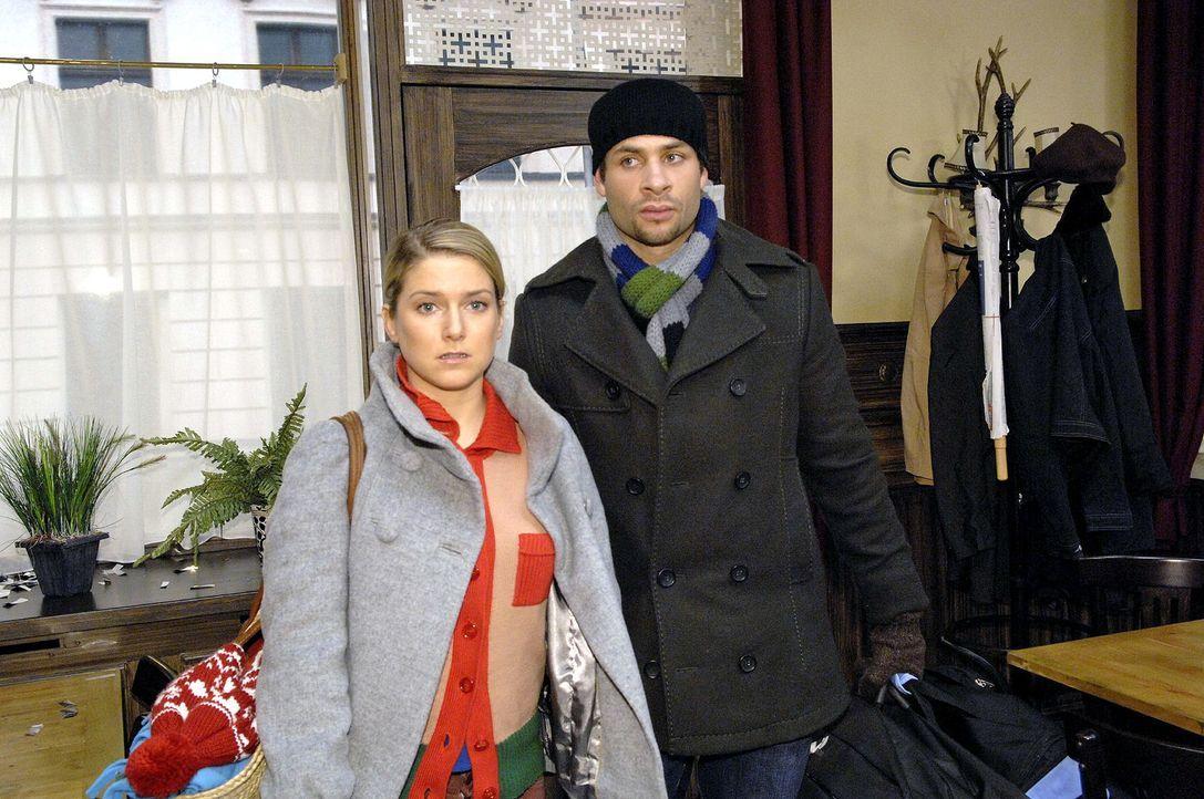 Bei Annas (Jeanette Biedermann, l.) und Jannicks (Mike Adler, r.) Rückkehr wartet eine Überraschung ... - Bildquelle: Claudius Pflug Sat.1