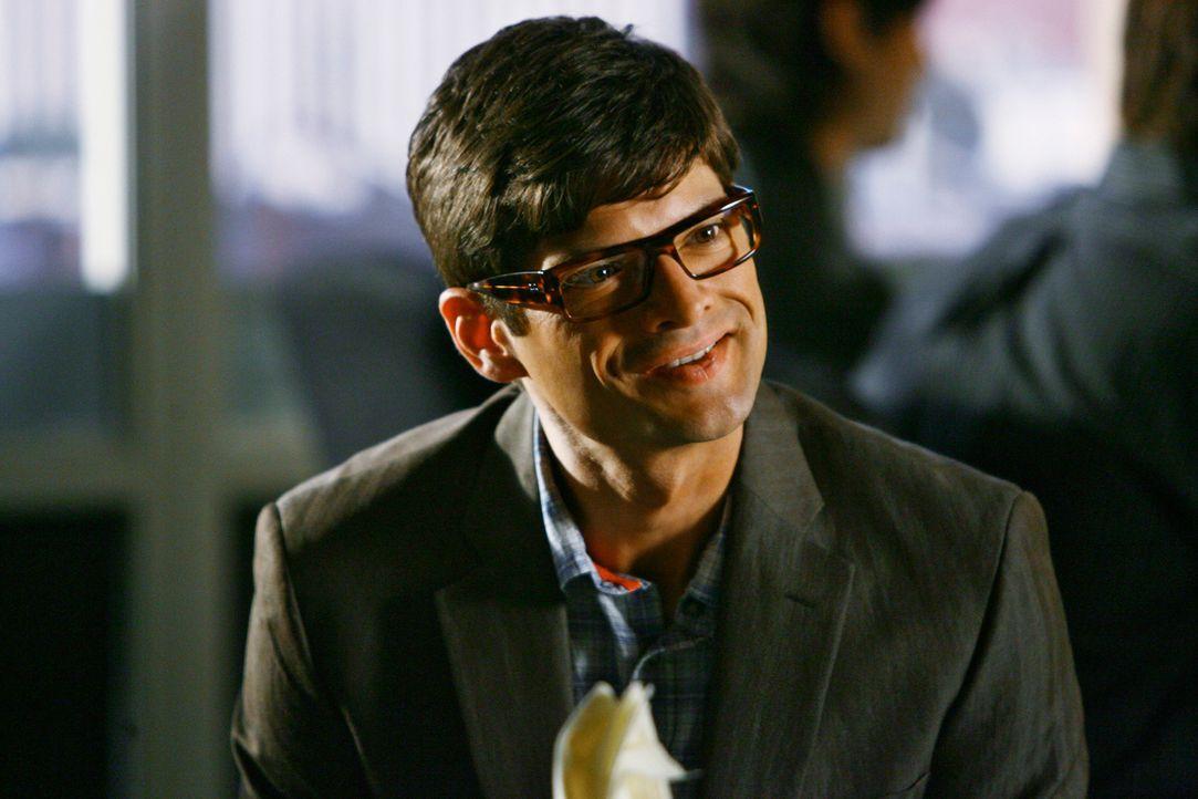 Ethan Travis (Will McCormack) verhält sich im Laufe des Gesprächs immer merkwürdiger. Muss sich Sarah Sorgen machen? - Bildquelle: 2008 ABC INC.