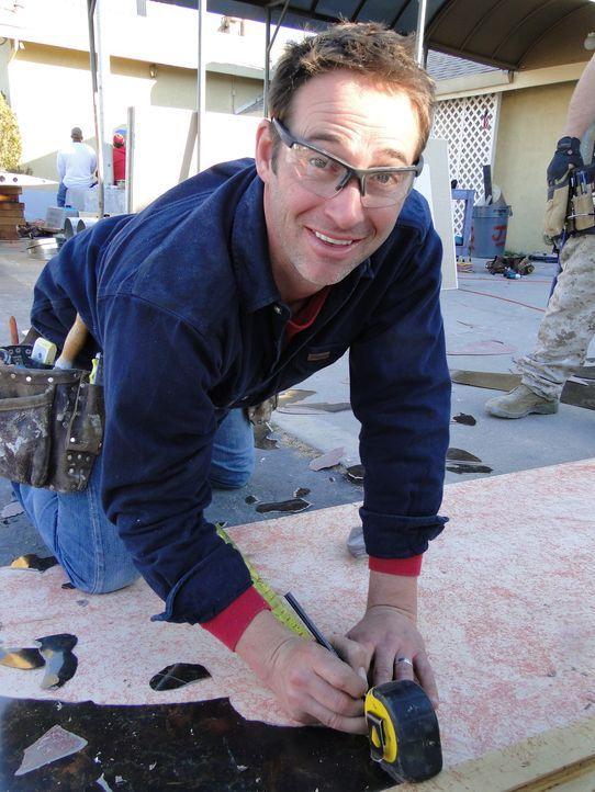 Er greift Heimwerkern unter die Arme: Bauunternehmer Josh Temple ... - Bildquelle: 2012, DIY Network/Scripps Networks, LLC.  All Rights Reserved