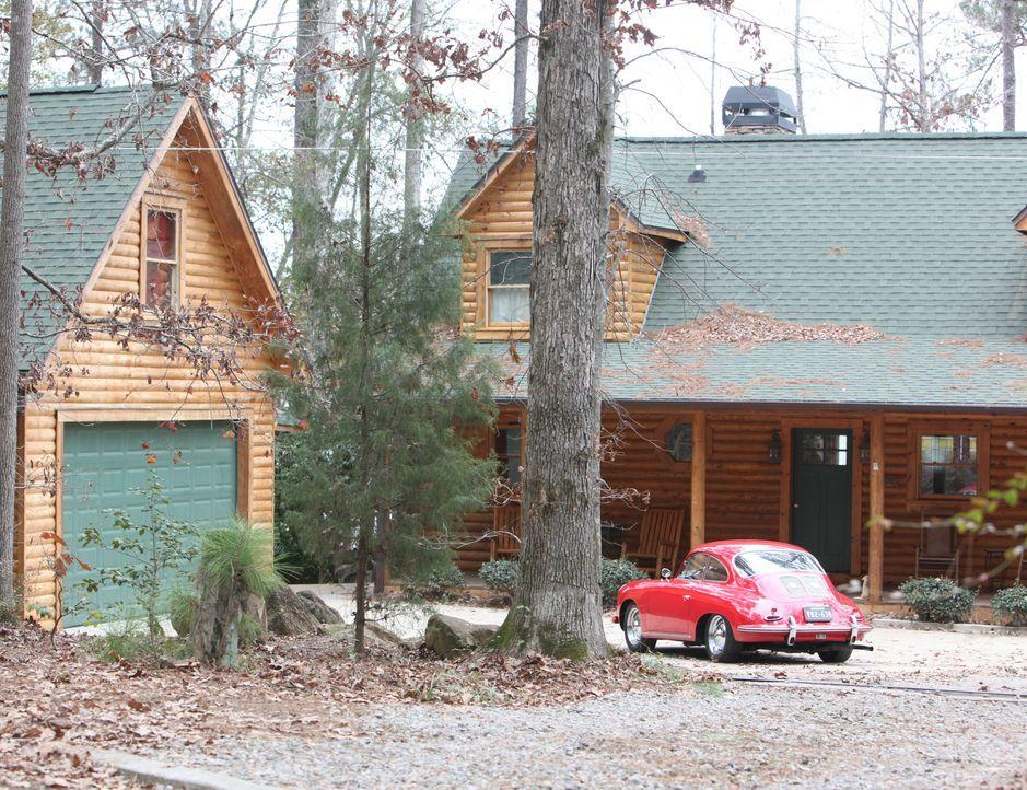 Ein Haus am See wird zum Ausflugsort von Elena und Stefan, die zusammen ein romantisches Wochenende verbringen wollen ... - Bildquelle: Warner Brothers