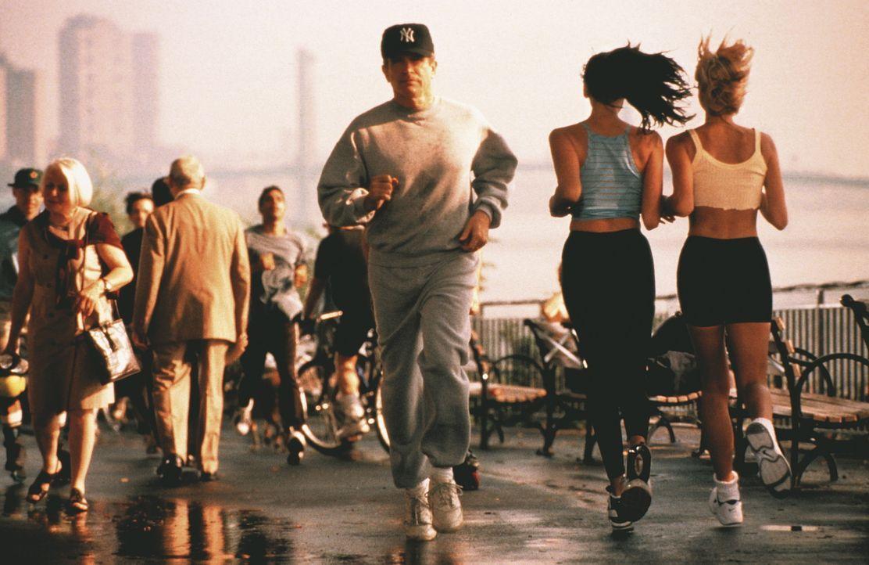 Porter (Warren Beatty, m.) braucht die Fitness dringend für seine zahlreichen Affären ... - Bildquelle: KINOWELT
