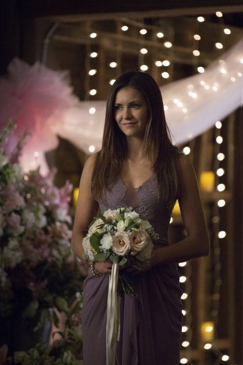 Noch ahnt Elena (Nina Dobrev) nicht, wie die traumhafte Hochzeit von Alaric und Jo enden wird ... - Bildquelle: Warner Bros. Entertainment, Inc