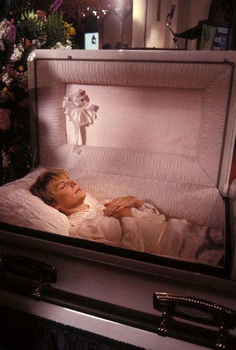 (9. Staffel) - Es herrscht tiefe Trauer, als Maggie (Susan Sullivan) stirbt ... - Bildquelle: 1989   Warner Brothers