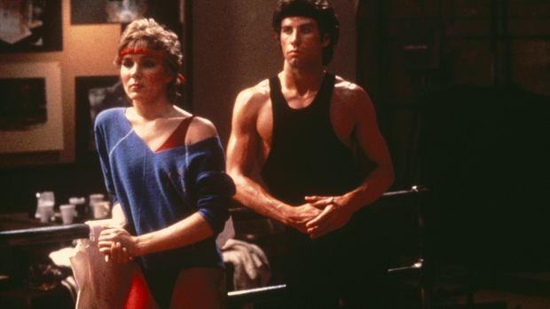 Tony Maneros (John Travolta, r.) treue Freundin Jackie (Cynthia Rhodes, l.) i...