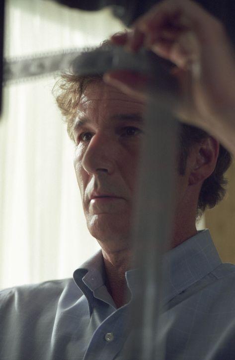 Die Recherchen über das Leben von Howard Hughes gestalten sich äußerst schwierig. Der Schriftsteller Clifford Irving (Richard Gere) will jedoch n... - Bildquelle: 2006 Miramax Films.