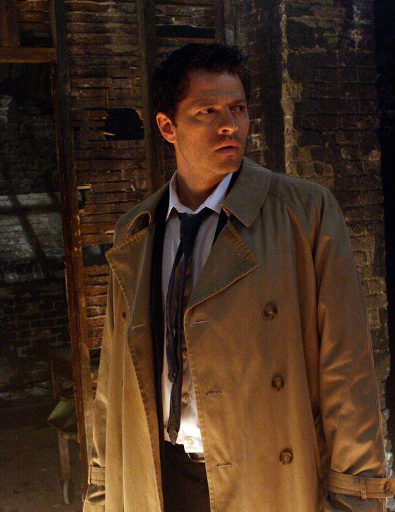 Im Kampf gegen das Böse: Castiel (Misha Collins) ... - Bildquelle: Warner Bros.