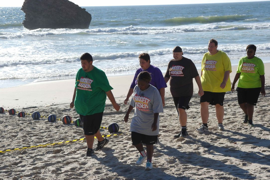 """""""The Biggest Loser"""" ist für die Kandidaten alles andere als ein Spaziergang am Strand. Der knallharte Trainingsplan und die strikte Diät sind nichts... - Bildquelle: SAT.1"""