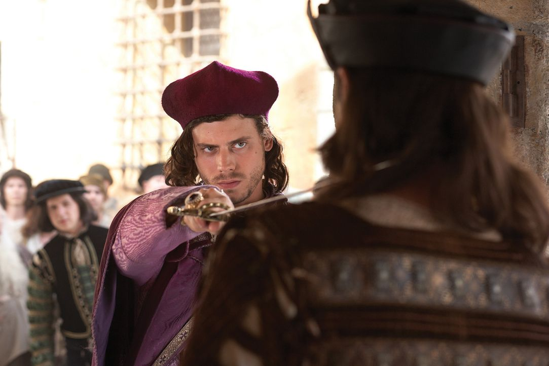 Fackelt nicht lange: Cesare (Francois Arnaud) ... - Bildquelle: LB Television Productions Limited/Borgias Productions Inc./Borg Films kft/ An Ireland/Canada/Hungary Co-Production. All Rights Reserved.