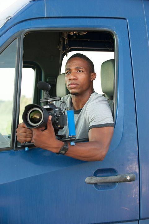 Tornadojäger Daryl (Arlen Escarpeta) kommt dem unberechenbaren Wirbelsturm gefährlich nahe, um die einmalige Chance zu nutzen, den Wirbelsturm mit s... - Bildquelle: 2014   Warner Bros.