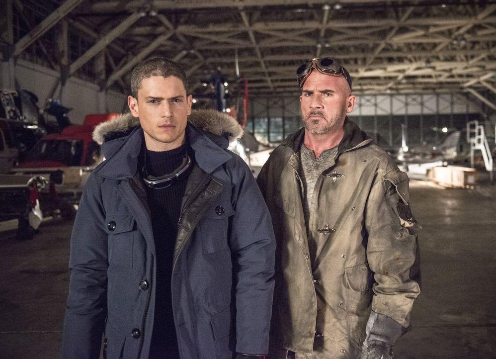 Leonard Snart alias Captain Cold (Wentworth Miller, l.) kehrt nach Central City zurück und hat einen heißen Partner dabei - Mick Rory alias Heat Wav... - Bildquelle: Warner Brothers.