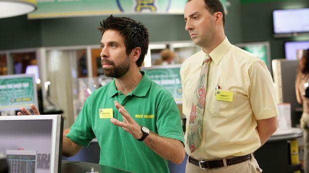 Um sich ein Bild von Morgan (Joshua Gomez, l.) und den restlichen Mitarbeiter...