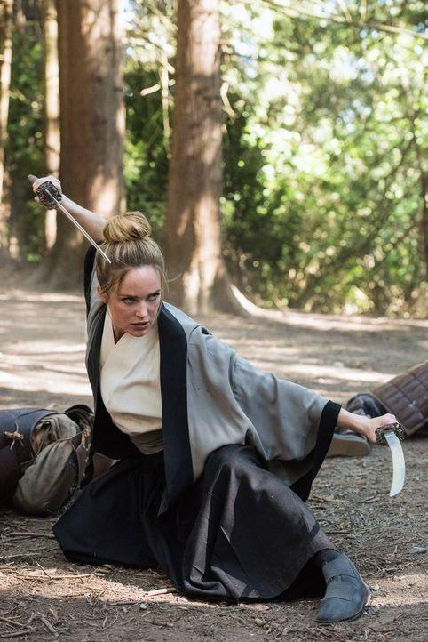 Sara (Caithy Lotz) muss sich in ihrer Rolle als neuer Captain der Legends einfinden und wichtige Entscheidungen treffen ... - Bildquelle: Warner Brothers