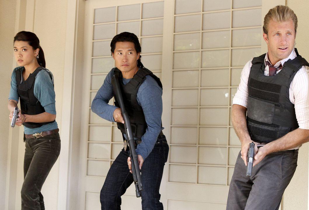 Im Kampf gegen das organisierte Verbrechen im Paradies: Danny (Scott Caan, r.), Chin (Daniel Dae Kim, l.) und Kono (Grace Park, M.) ... - Bildquelle: 2011 CBS BROADCASTING INC.  All Rights Reserved.