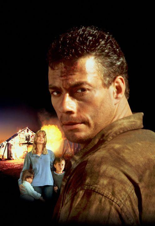 Während eines Gefangenentransports gelingt dem Bankräuber Sam Gillen (Jean-Claude Van Damme, r.) die Flucht in die Wälder. Er findet Unterschlupf... - Bildquelle: Columbia Pictures Corporation