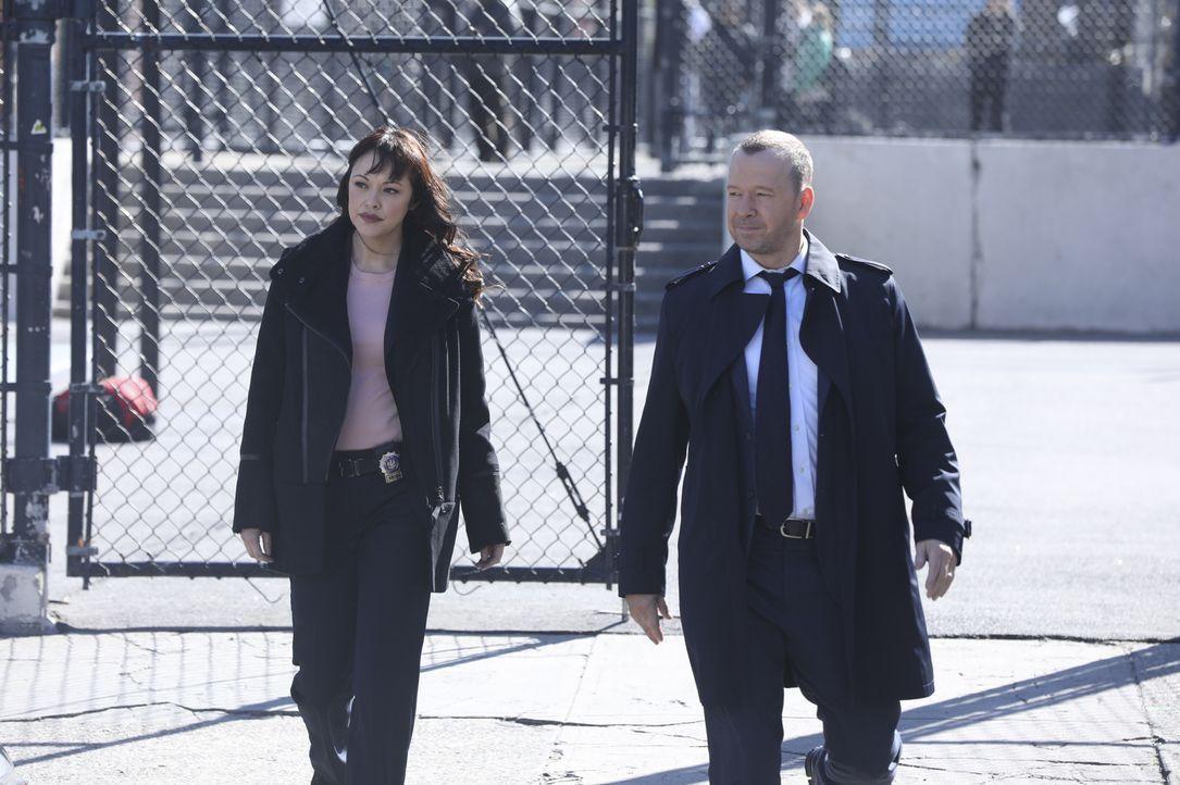 Haben gemeinsam immer den richtigen Instinkt: Maria Baez (Marisa Ramirez, l.) und Danny Reagan (Donnie Wahlberg, r.) ... - Bildquelle: 2017 CBS Broadcasting, Inc. All Rights Reserved