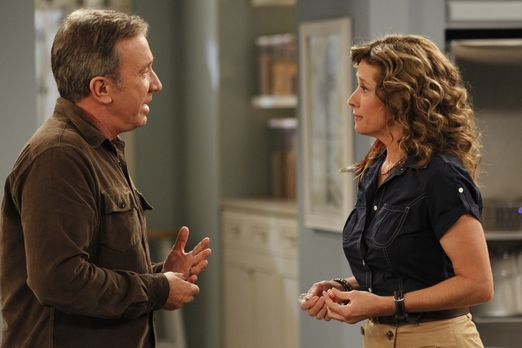 Last Man Standing - Vanessa (Nancy Travis, r.) erinnert Mike (Tim Allen, l.)...