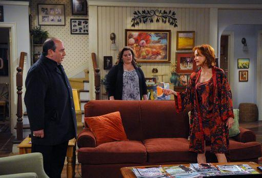 Mike & Molly - Während Molly (Melissa McCarthy, M.) überlegt, wohin die F...