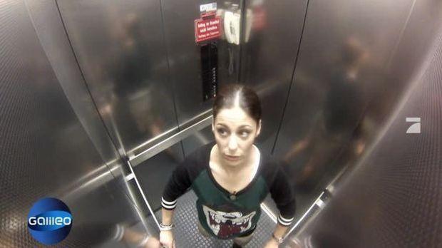 Reporter am Limit - Funda im Fahrstuhl