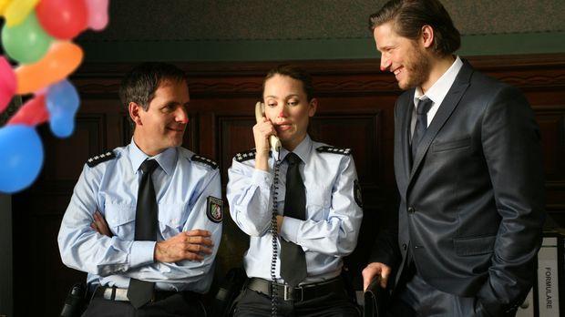 Ausgerechnet am Rosenmontag wird Carlas (Lisa Maria Potthoff, M.) und Ricks (...