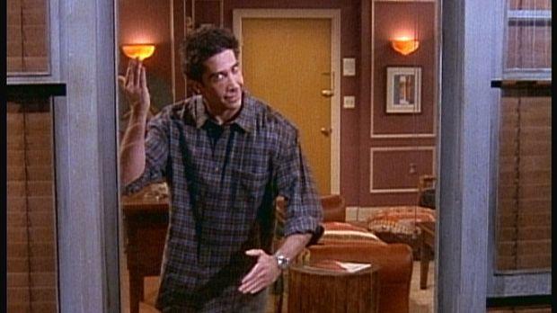Nichtsahnend bietet Ross (David Schwimmer) seinen Freunden eine Privatvorstel...