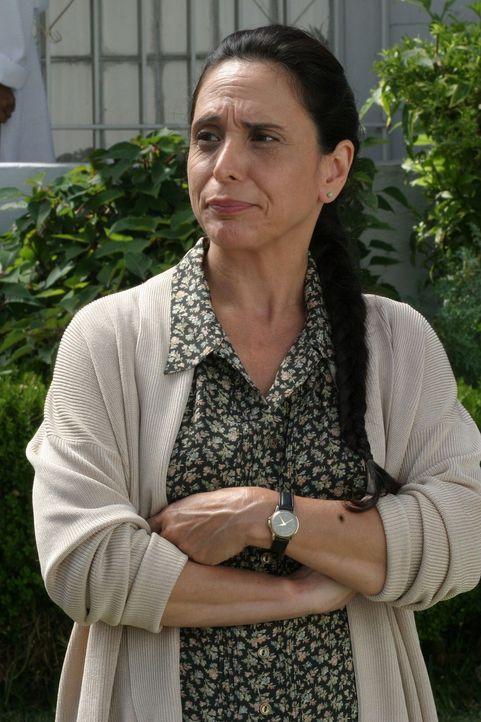 Nicht leicht zu durchschauen: Weiß Joan (Linda Castro) mehr, als sie zugibt? - Bildquelle: Warner Bros. Television