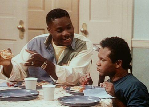 Bill Cosby Show - Theo (Malcolm-Jamal Warner, l.) macht sich über Elvin (Geof...