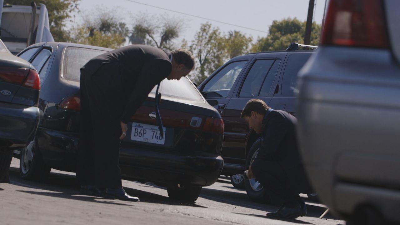 Schrecklicher Fund: Nachdem Rachels Auto am Flughafen entdeckt wurde, dinden die Ermittler im Kofferraum ihre Leiche - versteckt unter einem Haufen... - Bildquelle: LMNO Cable Group