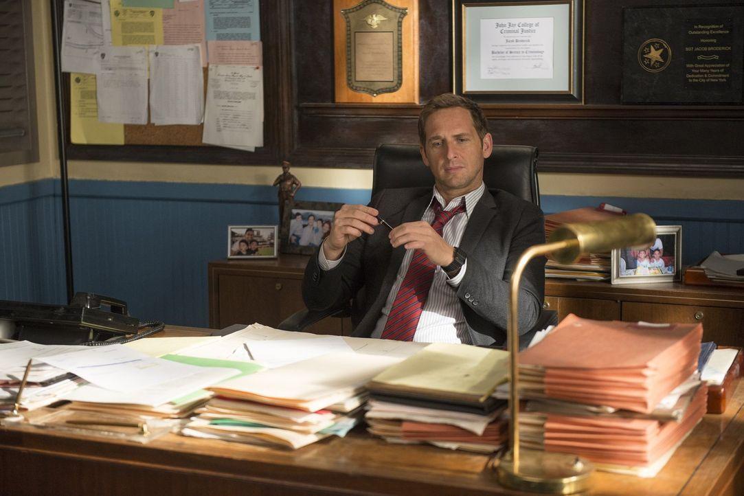 Müssen einen neuen Mordfall aufklären: Jake (Josh Lucas) und sein Team ... - Bildquelle: Warner Bros. Entertainment, Inc.