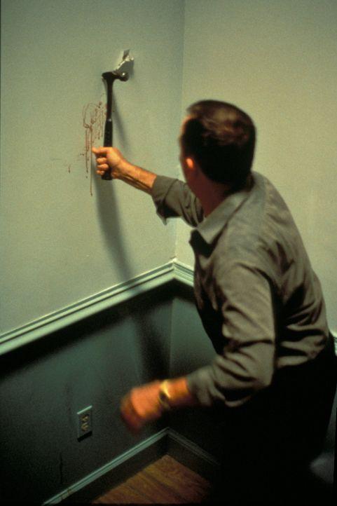 Wer hat den Millionär Frank Black ermordet? Das FBI muss sich durch ein kompliziertes Verwirrspiel arbeiten, um ein Netz aus Arglist, Betrug und Täu... - Bildquelle: New Dominion Pictures, LLC