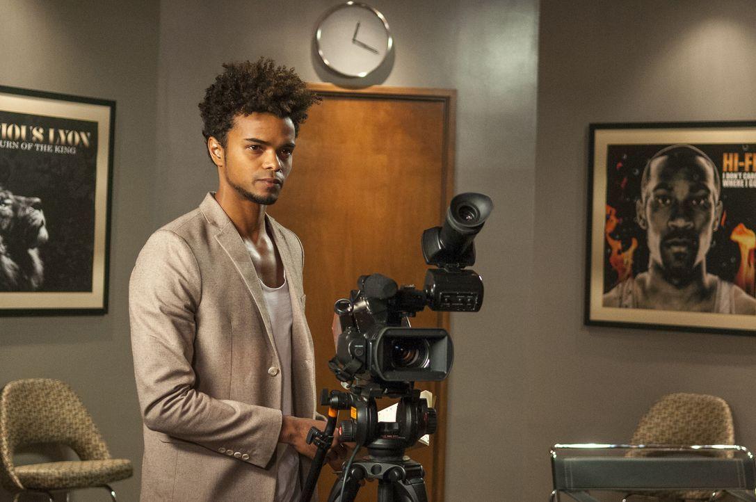 Kann er Jamal davon überzeugen, sich endlich zu outen? Der Dokumentarfilmer Ryan (Eka Darville) ist selbst schwul und will dem Sänger helfen ... - Bildquelle: 2015 Fox and its related entities.  All rights reserved.