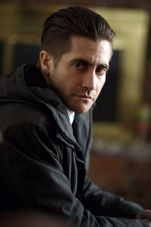 Als zwei kleine Kinder spurlos verschwinden, will sich der junge und ambitionierte Polizist Loki (Jake Gyllenhaal) unbedingt profilieren, um danach... - Bildquelle: TOBIS FILM. ALL RIGHTS RESERVED