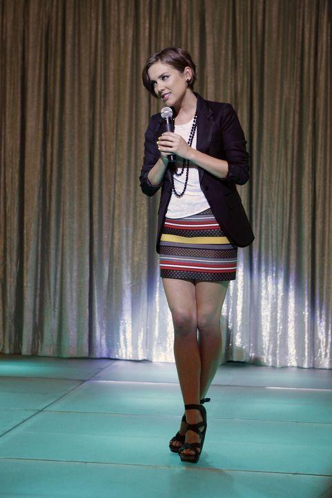 Silver (Jessica Stroup) organisiert in Erinnerung an Jackie, eine Brustkrebs Charity ... - Bildquelle: TM &   CBS Studios Inc. All Rights Reserved