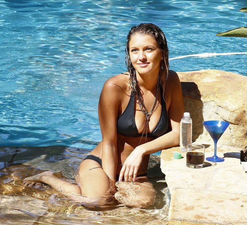 Schon bald erkennt Rachel (Angeline Appel), dass man mit Nachhilfe und Babysitten nicht wirklich reich werden kann. Da kommt ihr eine fatale Idee, w... - Bildquelle: Johnson Management Group, Inc. MMXV