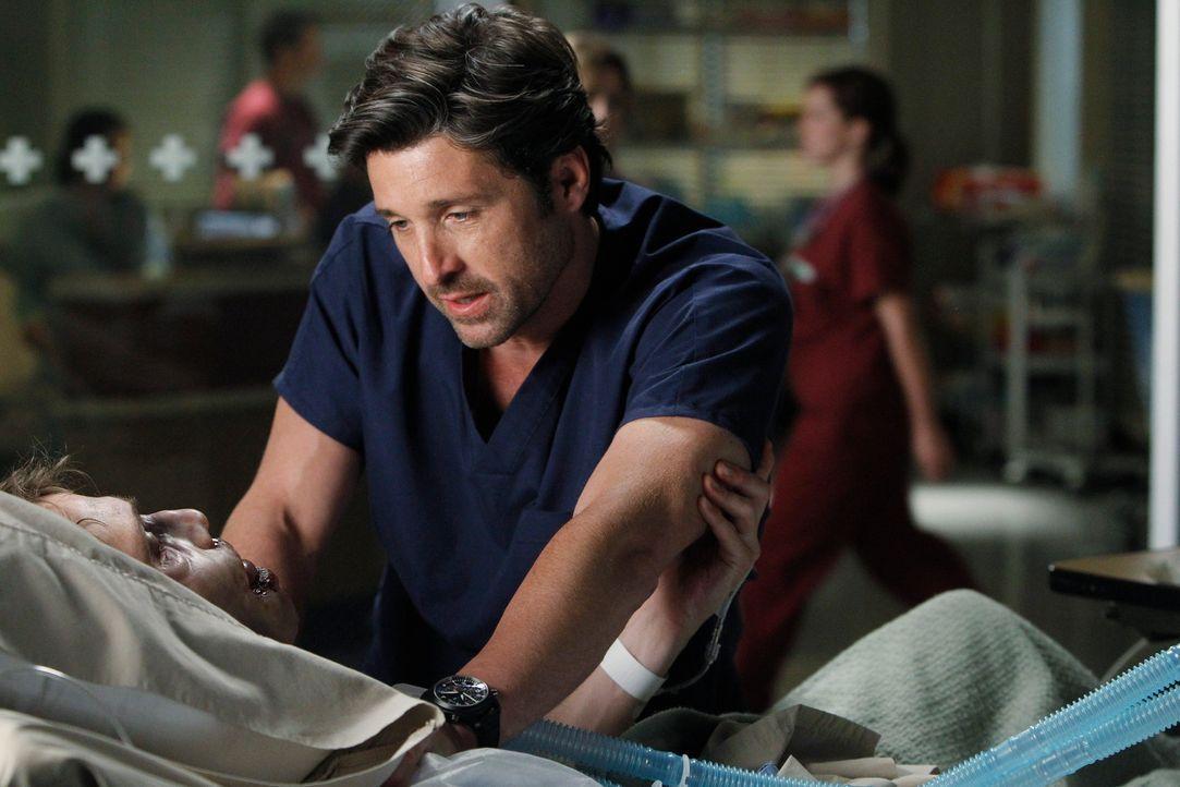 Dereks (Patrick Dempsey, r.) erster Fall als neuer Ex-Chefarzt ist Greg (Matthew Fahey, l.), ein Junge mit einem riesigen Hirntumor. Derek sieht kei... - Bildquelle: ABC Studios