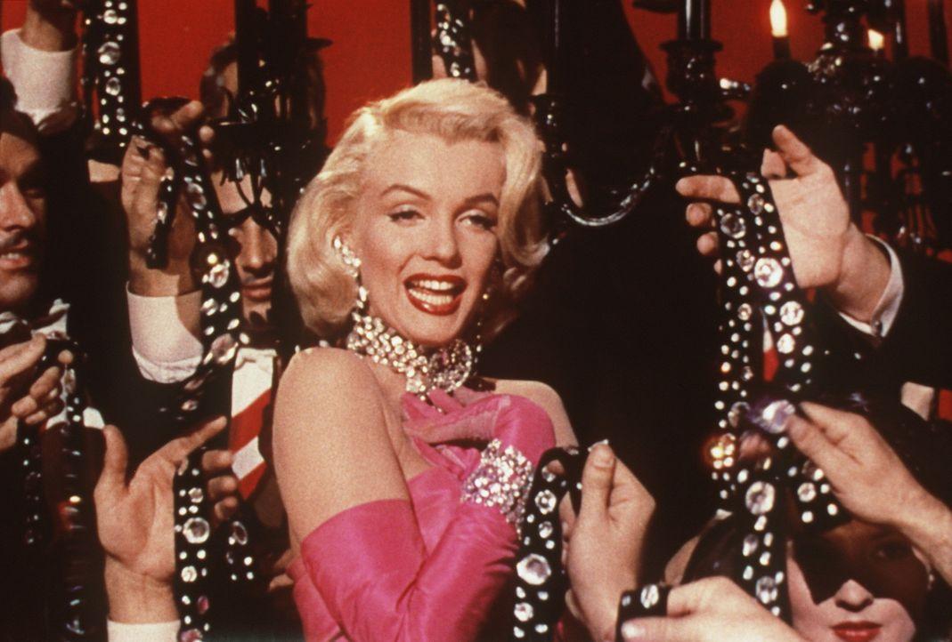 Für die blonde Lorelei (Marilyn Monroe) gibt es nur ein Objekt der Begierde: glitzernde Diamanten! - Bildquelle: 20th Century Fox Film Corporation