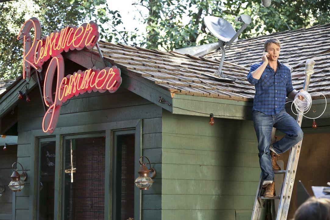 """Gerät wegen dem """"Rammer Jammer"""" mit Lemon aneinander: Wade (Wilson Bethel) ... - Bildquelle: Warner Bros."""