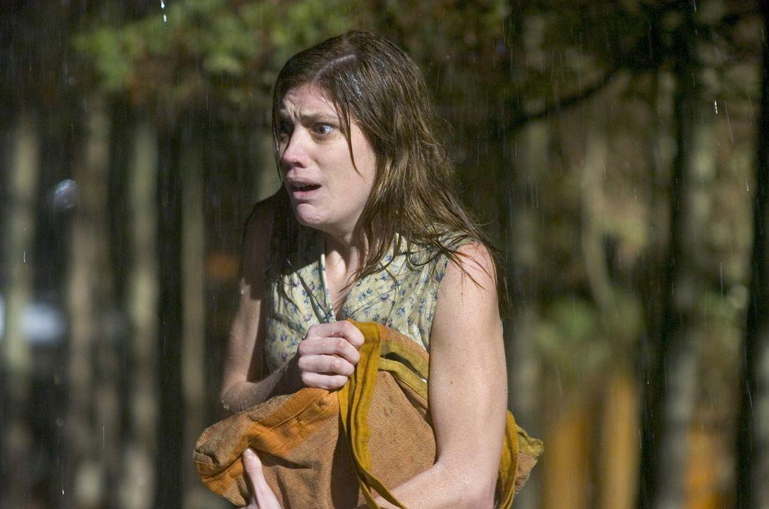Ist Emily Rose (Jennifer Carpenter) wirklich von Dämonen besessen oder leidet sie an einer psychotischen Epilepsie? - Bildquelle: Sony Pictures Television International. All Rights Reserved.