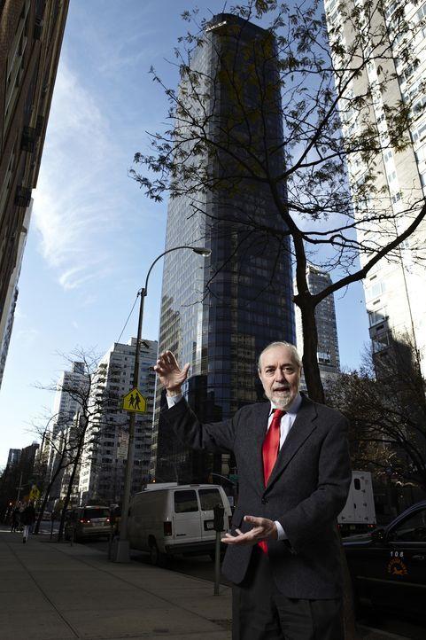 Wie konnte der Fensterputzer auf der Hochhaus-Fensterwaschplattform in New York den Sturz aus dem 50- Stockwerk überleben? Physiker Dr. Brian Schwar... - Bildquelle: Zachary Maxwell Stertz Cineflix 2009