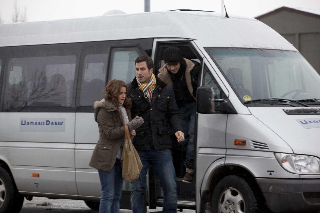 Stehen vor einem Problem: (v.l.n.r.) Bea (Vanessa Jung), Michael (Andreas Jancke) und Ben (Christopher Kohn) ... - Bildquelle: SAT.1