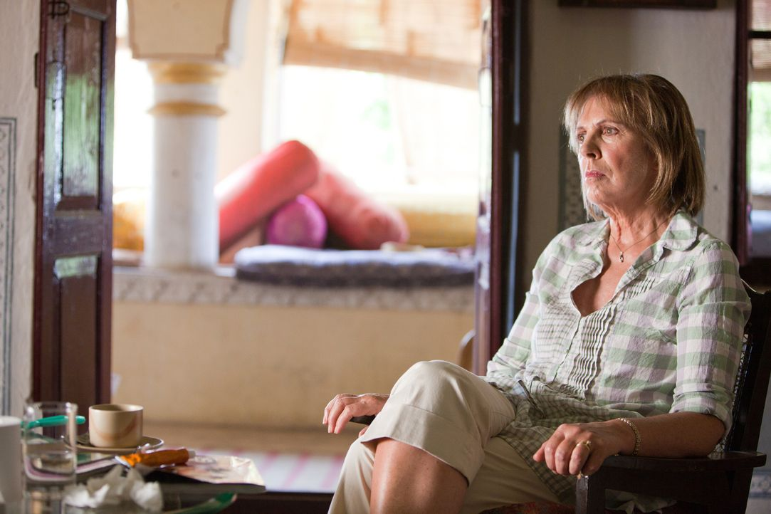 "Gemeinsam mit ihrem Mann Douglas beschließt Jean (Penelope Wilton), ihren Lebensabend in Indien zu verbringen, genauer gesagt im ""Best Exotic Marigo... - Bildquelle: 2012 Twentieth Century Fox Film Corporation. All rights reserved."