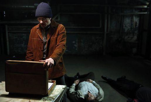 The Americans - Immer wieder muss Phillip (Matthew Rhys, l.) zu drastischen M...