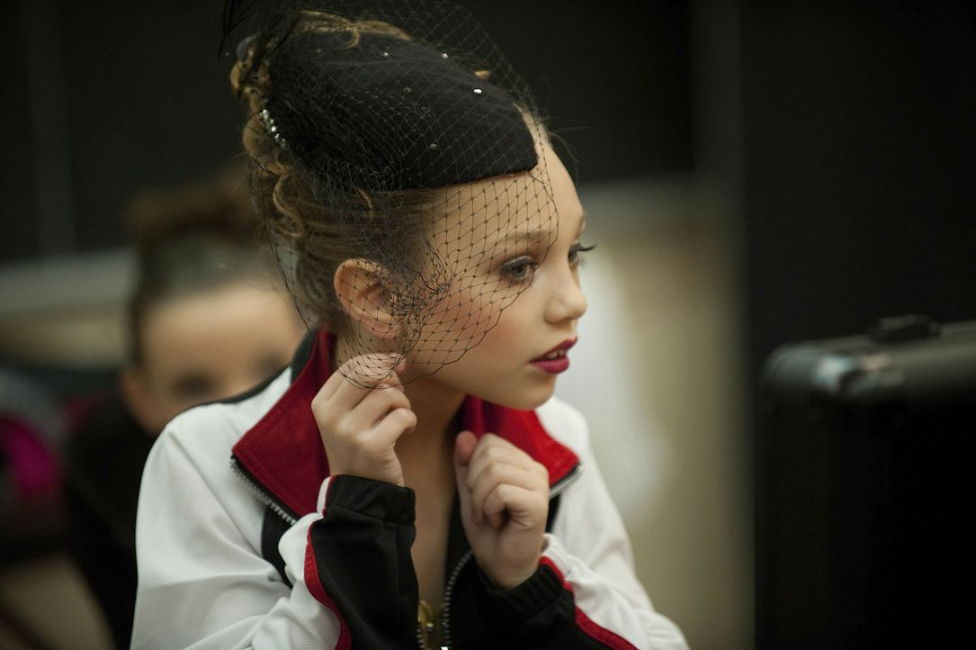 Maddie glaubt an den Erfolg und würde alles dafür tun ... - Bildquelle: Scott Gries 2011 A+E Networks