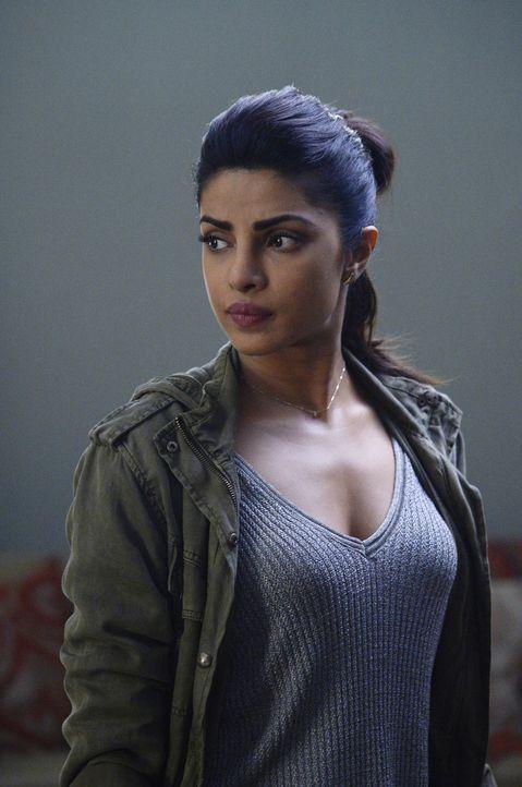 Versucht weiter, ihre Unschuld zu beweisen: Alex (Priyanka Chopra) ... - Bildquelle: Philippe Bosse 2015 ABC Studios