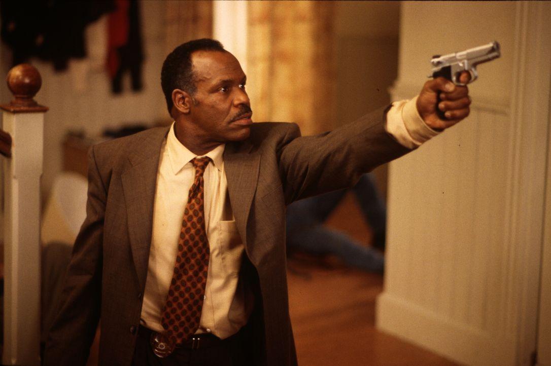 Eigentlich wollten die beiden Cops Roger (Danny Glover) und Martin etwas kürzer treten, doch dann stoßen sie auf einen Menschenschmugglerring, der ü... - Bildquelle: Warner Bros. Pictures