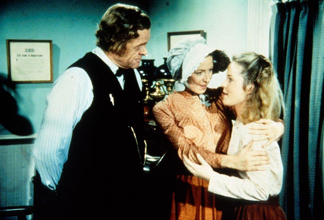 Doc Baker (Kevin Hagen, l.) und Mary (Melissa Sue Anderson, r.) haben eine Überraschung für Caroline (Karen Grassle, M.). - Bildquelle: Worldvision