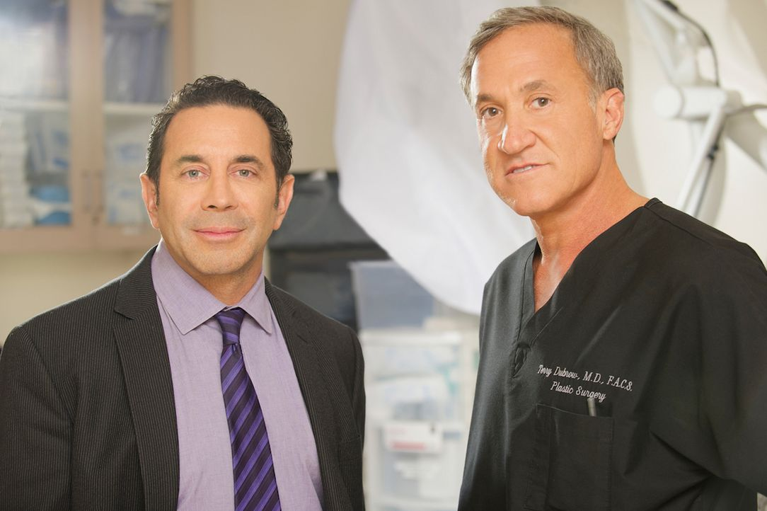Die Chirurgen Dr. Paul Nassif (l.) und Dr. Terry J. Dubrow (r.) versuchen zu richten, was andere Schönheitschirurgen vermasselt haben ... - Bildquelle: 2014 E! Entertainment Television, LLC. ALL RIGHTS RESERVED.