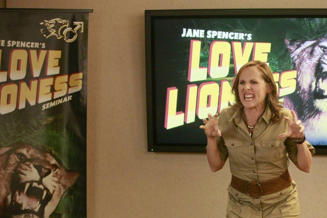"""Jane Spencer (Molly Shannon) aka """"The Love Lioness"""" hilft Singles dabei, ihr Liebesleben zu verbessern - genau das Richtige für die einsame Kimmie u... - Bildquelle: Warner Brothers"""