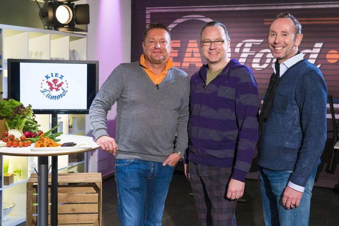 """Wollen mit ihrem """"Kiez Kümmel"""" die Investoren überzeugen: Andreas (l.), Dirk (M.) und Olav (r.) ... - Bildquelle: Richard Hübner kabel eins"""