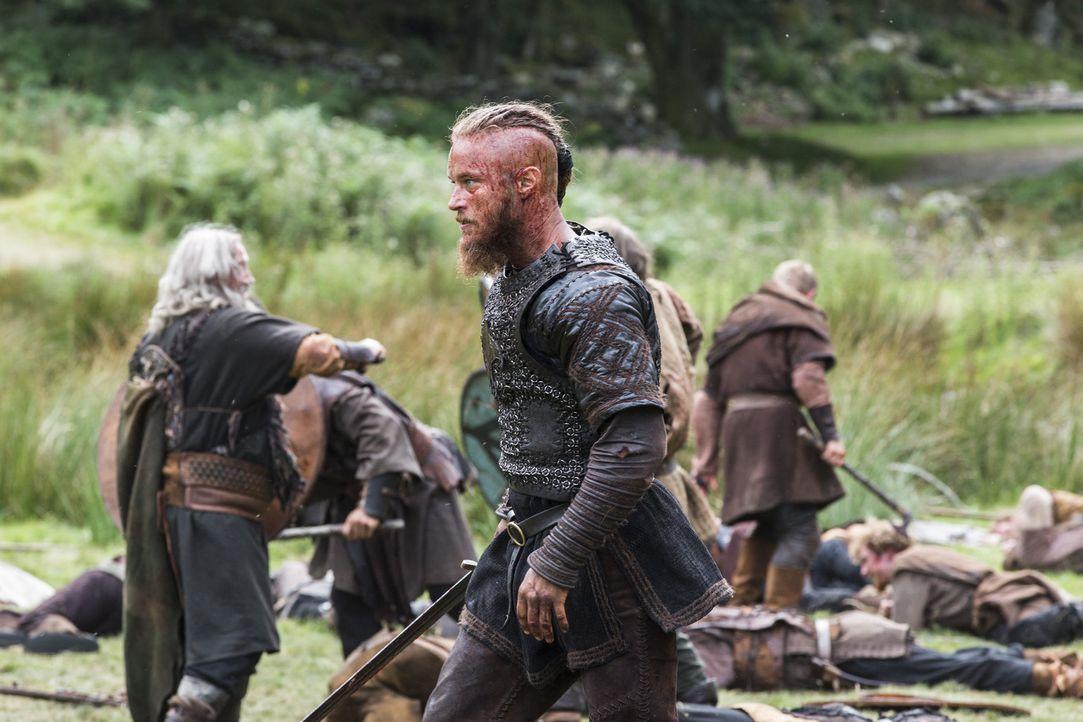 Während sich Athlestan in Gefangenschaft von König Ecbert befindet, versucht Ragnar (Travis Fimmel) alles, um Jarl Borg für immer aus Kattegat zu ve... - Bildquelle: 2014 TM TELEVISION PRODUCTIONS LIMITED/T5 VIKINGS PRODUCTIONS INC. ALL RIGHTS RESERVED.